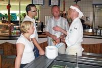 Manuela Hantzsch, Uwe Händler, Frank Bergemann und Küchenchef Ralf Zacherl