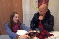 Berlin Tag und Nacht: Krätze macht es Hanna und Joshua nicht leicht! - TV