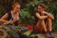 Georgina Fleur und Claudelle Deckert im Dschungelcamp