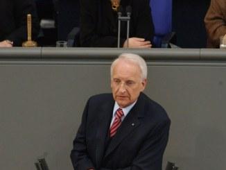 Stoiber schlägt Stefan Raab als Mit-Moderator des Kanzlerduells vor - TV News