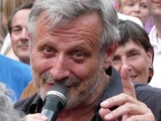 Konstantin Wecker geht weiterhin auf Demonstrationen - Promi Klatsch und Tratsch