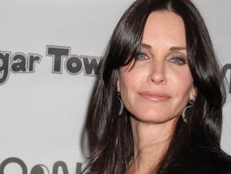 "Courteney Cox - ABC's ""Cougar Town"" Cast Hosts an Exclusive Viewing Party at Moon Nightclub in Las Vegas"