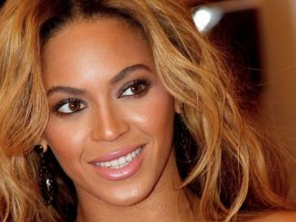 """Beyonce Knowles - """"PUNK: Chaos to Couture"""" Costume Institute Gala - Arrivals"""