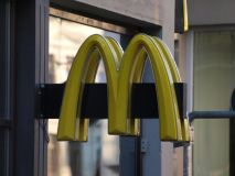 Moritz Bleibtreu verteidigt Werbe-Deal mit McDonald`s