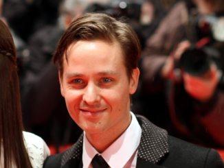 """Bambis verliehen: Nadja Uhl und Tom Schilling """"beste Schauspieler"""" - TV"""