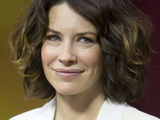 Evangeline Lilly - Evangeline Lilly Visits Globals 'The Morning Show' in Toronto on December 6, 2013 - The Morning Show Studios