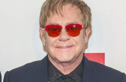 "Elton John: ""Wonderful Crazy Night"" ist fertig"