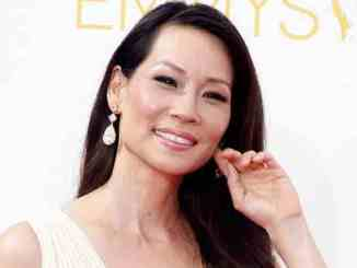 Lucy Liu macht in Dog-Fashion - Promi Klatsch und Tratsch
