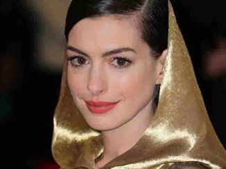 "Anne Hathaway - ""China: Through The Looking Glass"" Costume Institute Benefit Gala"