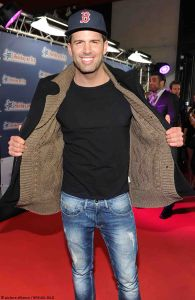 Jay Khan - Holiday on Ice Speed Premiere