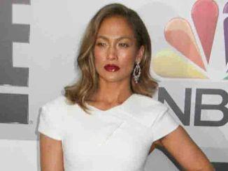 Jennifer Lopez: Casper Smart trägt das Wasser - Promi Klatsch und Tratsch