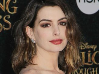 "Anne Hathaway - ""Alice Through the Looking Glass"" Los Angeles Premiere - Arrivals"