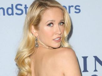"Anna Camp - National Geographic Channel's ""Saints & Strangers"" TV Mini-Series Premiere"