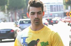 Joe Jonas und das Auto für seinen Großvater