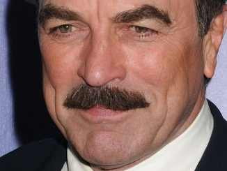 "Tom Selleck und der ""Magnum""-Fan Frank Sinatra - TV News"