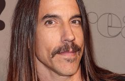 """Red Hot Chili Peppers"": Anthony Kiedis - kein Sex mit Groupies"