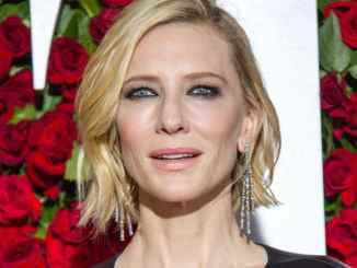 Cate Blanchett beschenkt einen Taxifahrer - Promi Klatsch und Tratsch