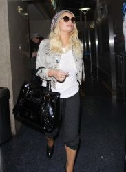 Jessica Simpson and Family Sighted at LAX Airport on January 15, 2017