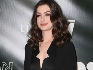 "Anne Hathaway - Neon's ""Colossal"" Los Angeles Premiere - 2"