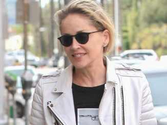 Sharon Stone freut sich über die 60 - Promi Klatsch und Tratsch