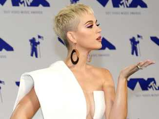 Katy Perry: Peinlicher Knutscher - TV News