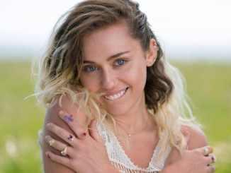Miley Cyrus trauert um Hund von Freund - Promi Klatsch und Tratsch