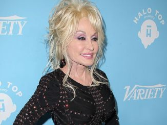 Dolly Parton - Variety and Women In Film's 2017 Pre-69th Annual Primetime Emmy Awards Celebration - 2