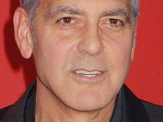 """George Clooney über den Dreh zu """"Catch-22"""" auf Sardinien - TV"""