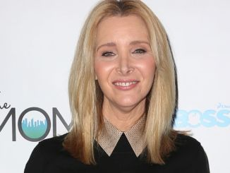 """Lisa Kudrow - The Moms and Subway Restaurant Host a Mamarazzi Event for """"The Boss Baby"""" - Four Seasons Hotel"""
