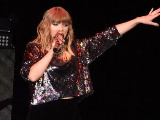 Taylor Swift - Chicago Radio B96 Pepsi Jingle Bash at Allstate Arena