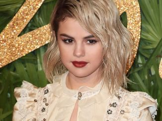 Selena Gomez - The Fashion Awards 2017 - 3