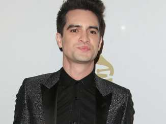 """Panic! At The Disco"": Brendon Urie mag deutsches Bier - Promi Klatsch und Tratsch"