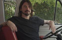 """""""Foo Fighters"""": Dave Grohl grillt für die kalifornische Feuerwehr"""
