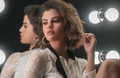 Selena Gomez, fröhliche Bikini-Schönheit