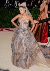 Ariana Grande vs Piers Morgan - Promi Klatsch und Tratsch