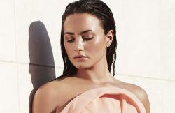 Demi Lovato 2017 - 4168 thumb