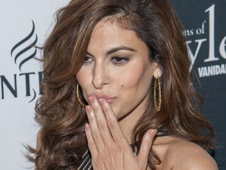 Eva Mendes - 2013 Vanidades Icons Of Style Awards