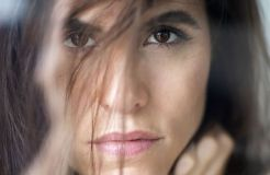 """""""Mit dem Rücken zur Wand"""": Kate Louisa lässt bitten"""