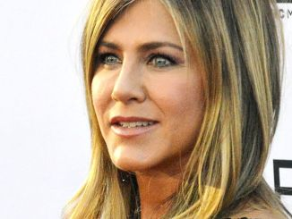 Pitt und Theron ein Paar? Was sagt Jennifer Aniston dazu? - Promi Klatsch und Tratsch