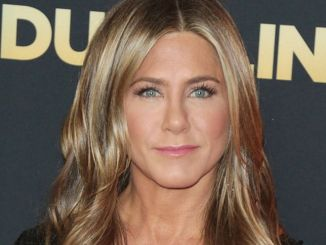 "Jennifer Aniston - Netflix's ""Dumplin'"" Los Angeles Premiere"