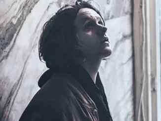 """Lewis Capaldi: """"Debütalbum-Aufnahme war langweilig, schwierig und stressig"""" - Promi Klatsch und Tratsch"""