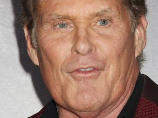 "David Hasselhoff und das peinliche Video zu ""Hooked On A Feeling"" - Musik"