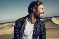 Max Giesinger 30358770-1 big