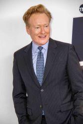 Conan O'Brien und die Ohrfeige von Sophie Turner - TV