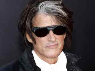"Joe Perry rockt mit den ""Hollywood Vampires"" - Musik News"