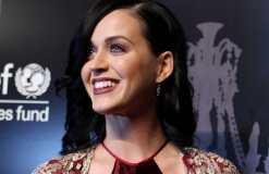Katy Perry weist DJ Diplo den Weg