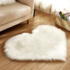 Shaggy Carpet – Heart Shaped Rug – Snow White Premium Long Fur – 62 cm Heart Shape – Avioni Carpets