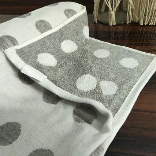 Avioni 100% Cotton Premium & Luxury Soft Linen Bath Towels in White Silver Polka Dot Finish