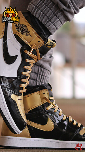 Gold leather shoelaces on Jordan Gold Toes Wallpaper
