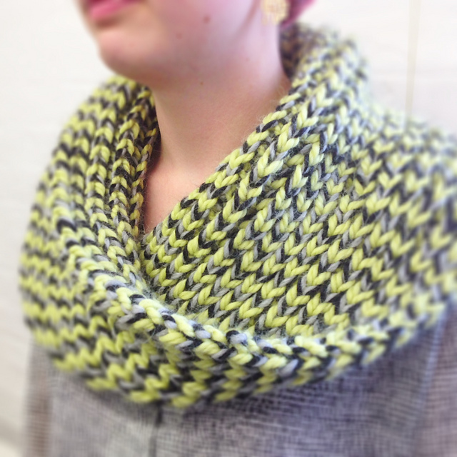 Misit Chunky Cowl by Lydia Gluck www.loopknitlounge.com Loop, London